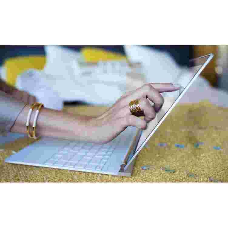 HP Spectre 13 Core i7 8550u FHD | 4K UHD Touchscreen Laptop (Ceramic White)